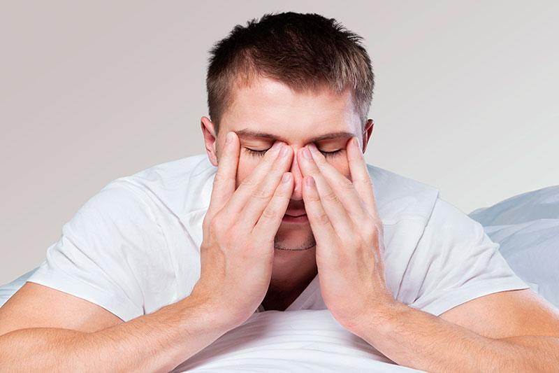 Ronquidos, somnolencia diurna, dolores de cabeza…  Qué es y cómo se trata la apnea del sueño
